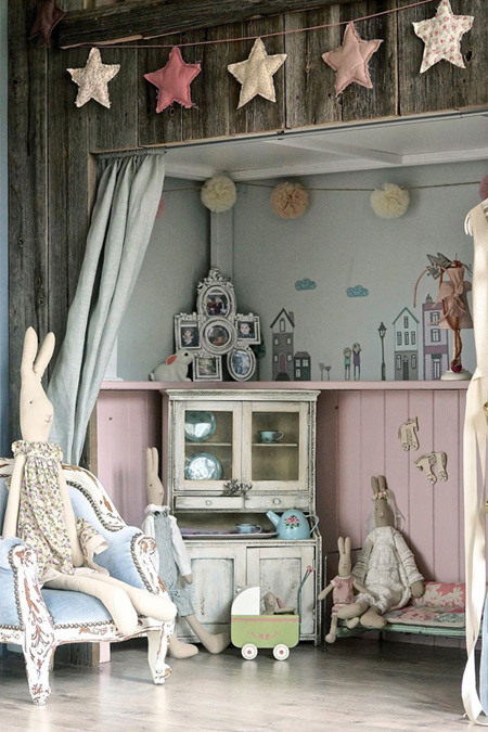 Nursery scheme with pale pink and blue