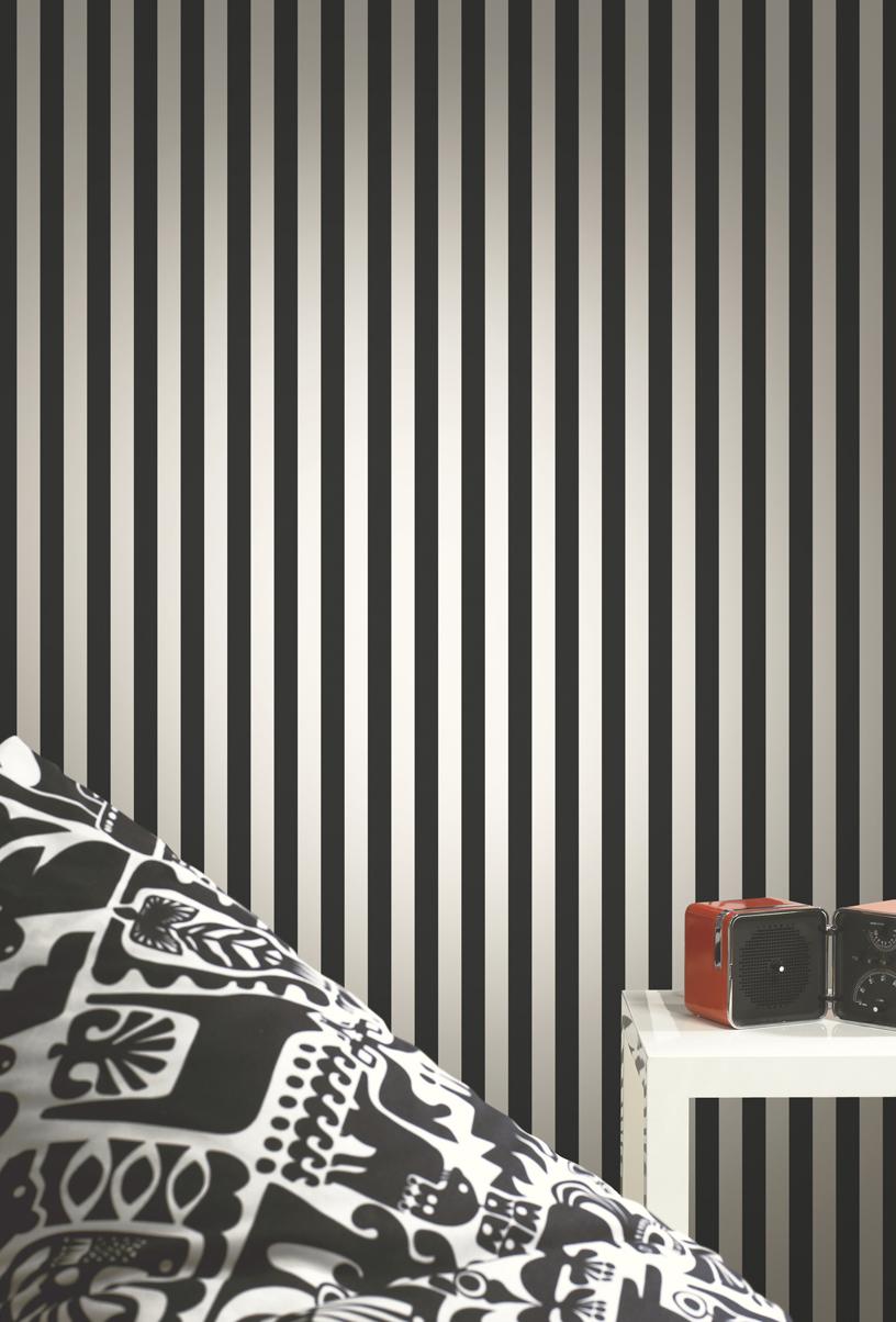 Narrow stripe wallpaper in black and white