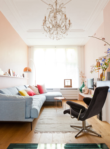 Pink and blue living room scheme