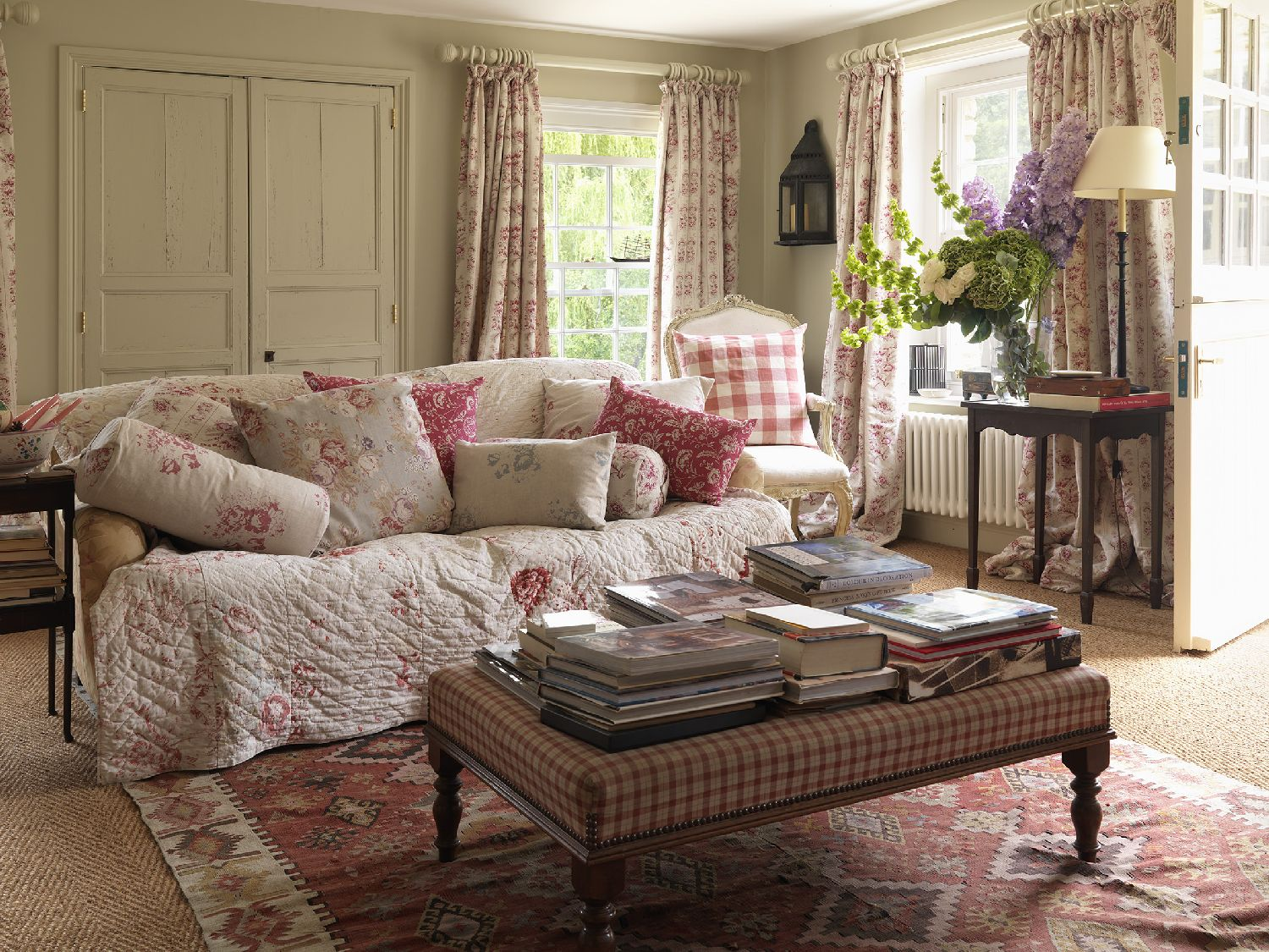 Vintage Style Shabby Chic Sitting Room
