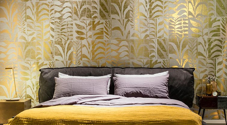 Contemporary  gold and white Wallpaper