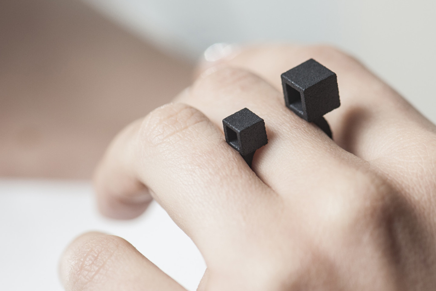 Cube Ring 2 in Black