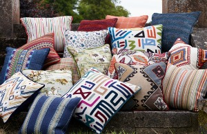 Coloured cushion pile