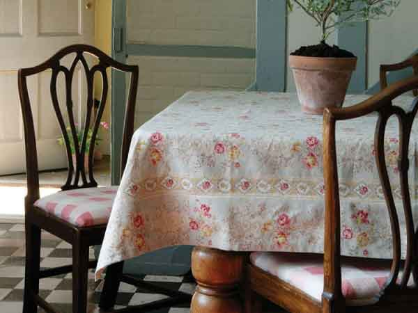 English Countryside Fabric and Wallpaper