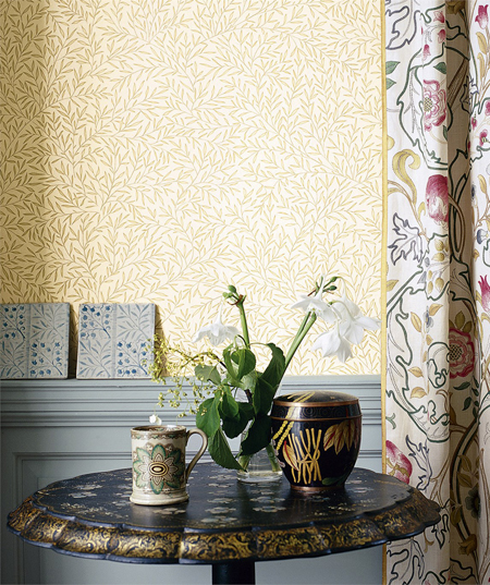 Lily Leaf Wallpaper
