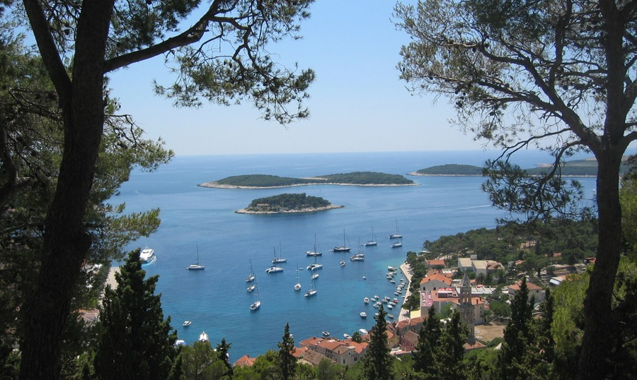 Warm Holiday Destinations in October