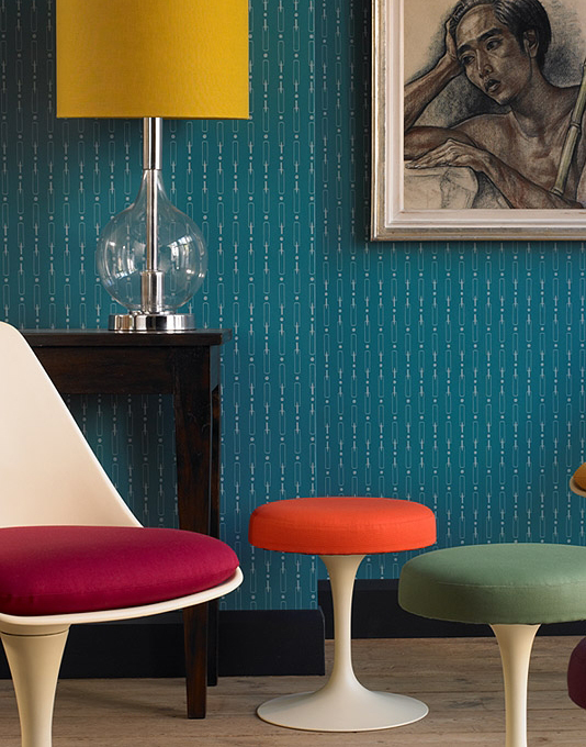 Retro living space with Cricket Wallpaper